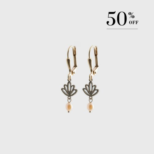 Lotus with drop pearl earrings gold