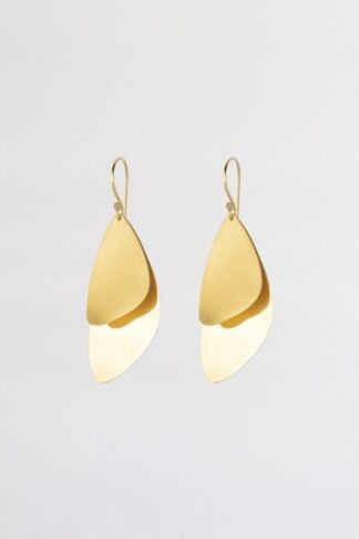 Gold sustainable ethical conscious bridal majestic mussel earrings